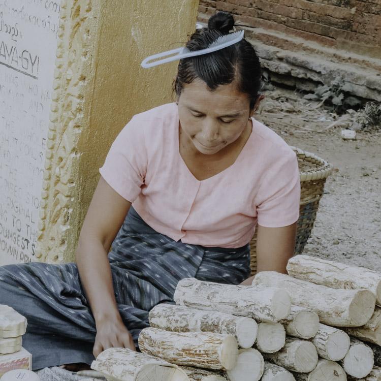 Thanaka Verkäuferin in Myanmar