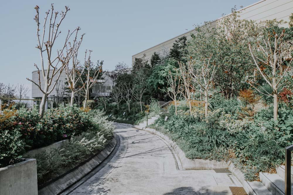 Dachgarten des Namba Parks in Osaka