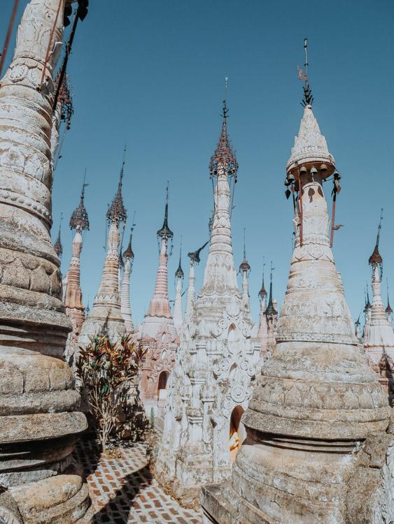 Stupas in Kakku ein echter Myanmar Geheimtipp