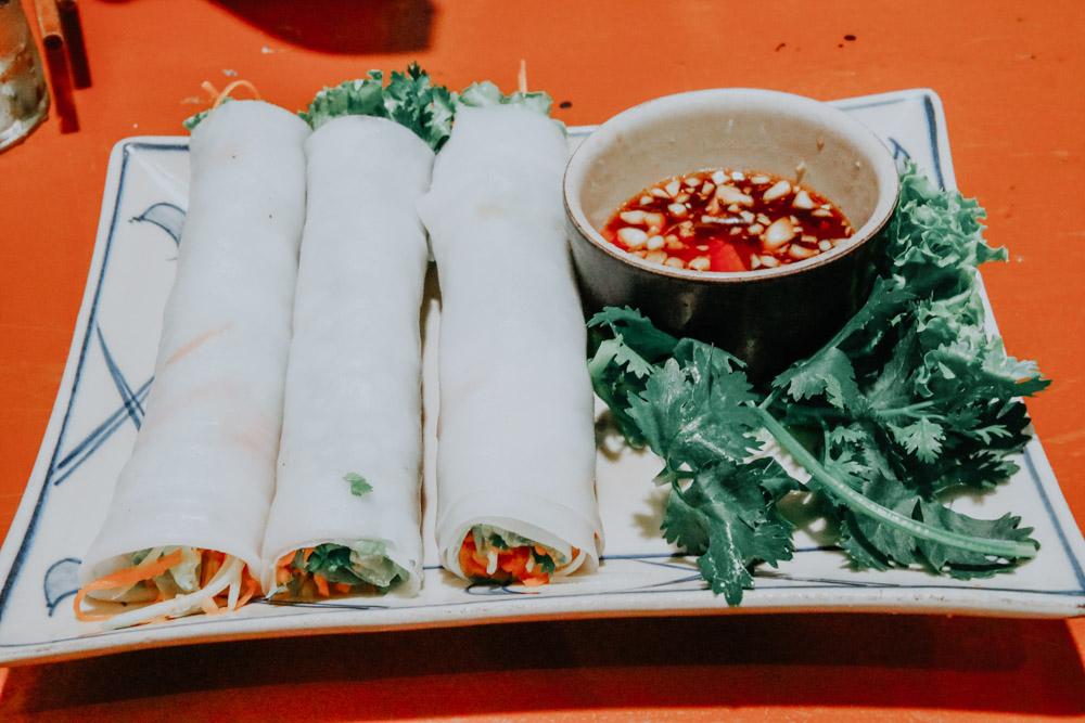 Frühlingsrollen im Cai Mam Restaurant in Hanoi