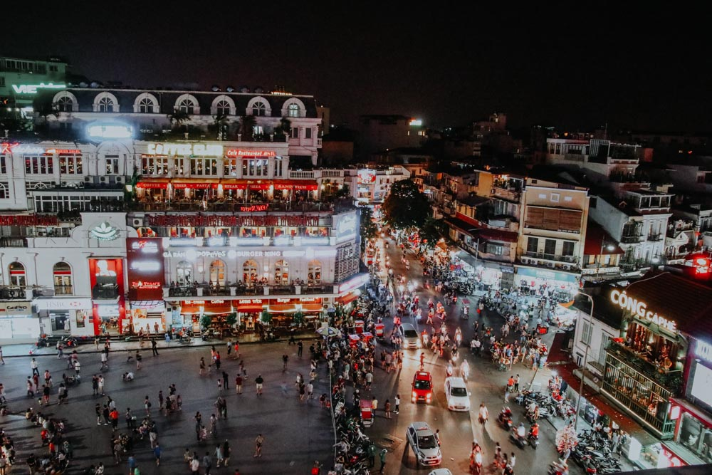 Ausblick von der Dachterrasse des Avalon BBQ Garden in Hanoi