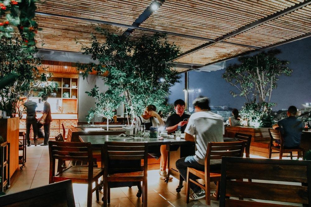 Geniale Plätze in Hanoi: dasRestaurant Avalon BBQ Garden in Hanoi