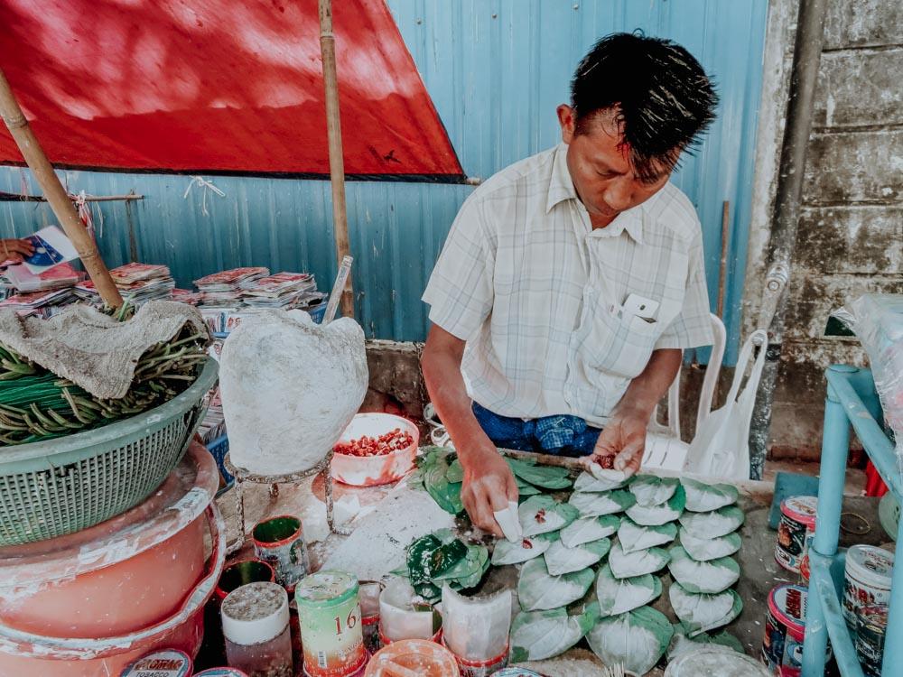 Herstellung der Betelbissen Yangon Myanmar