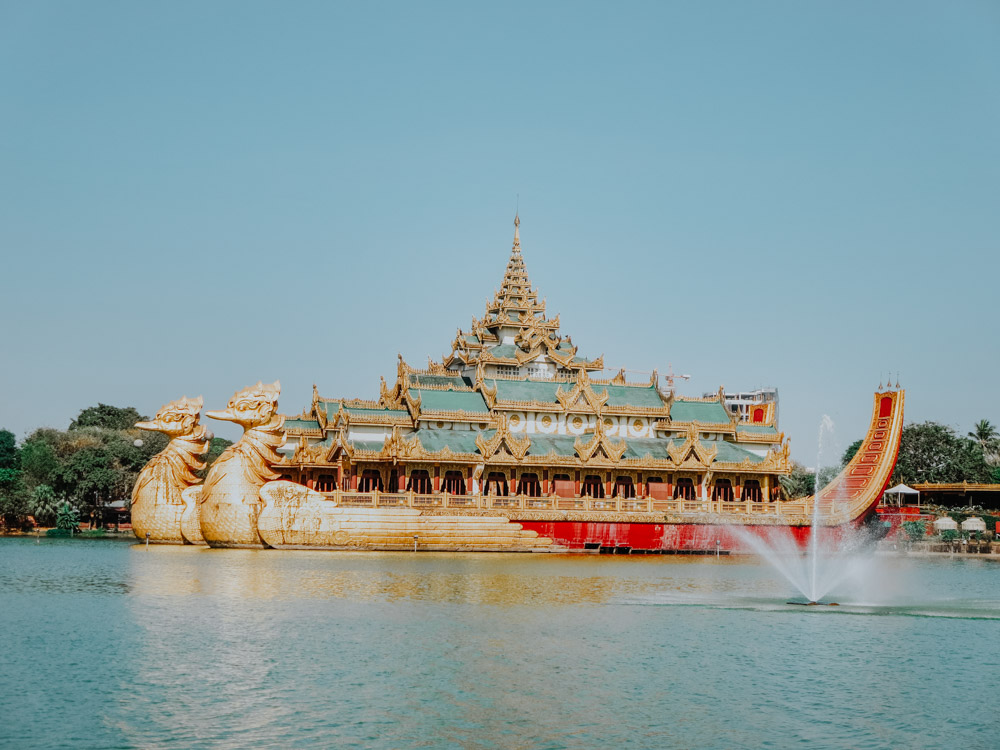 Must sees in Myanmar: Karaweik Palast in Yangon