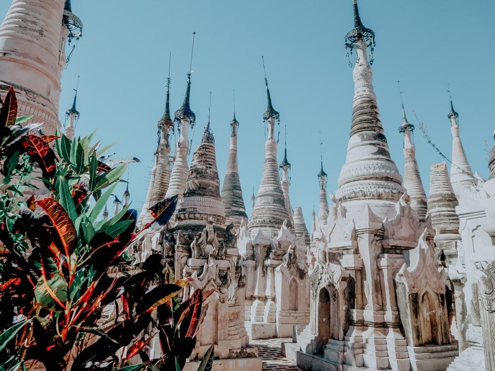 Must sees in Myanmar: Stupas der heiligen buddhistischen Stätte Kakku am Inle Lake