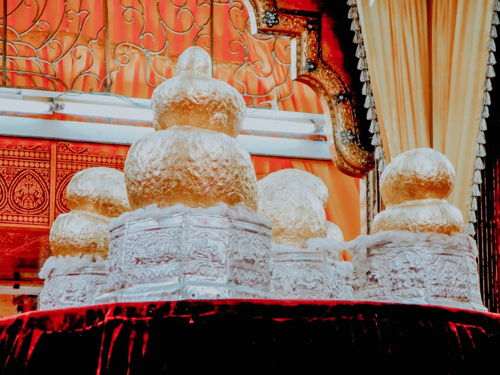 Must sees in Myanmar: Buddha Figuren der Phaung Daw U Pagode