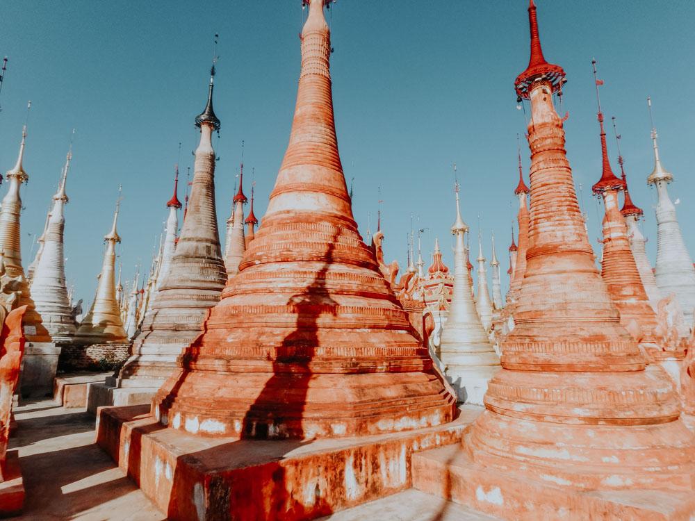 Must sees in Myanmar: Inthein Stupas am Inle Lake