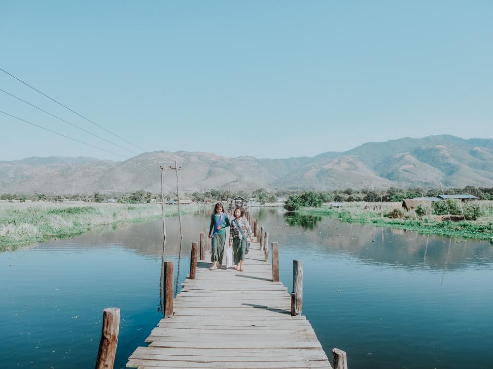 Langer Steg am Inle Lake Myanmar