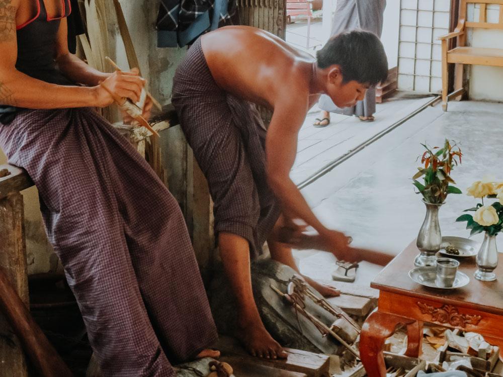 Glodschläger in Mandalay Myanmar