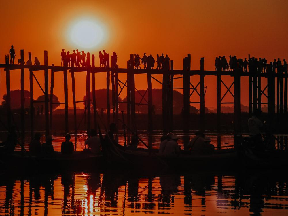 Must sees in Myanmar: U-Bein-Brücke bei Sonnenuntergang