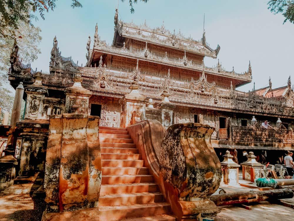 Must sees in Myanmar: Teakholzkloster Shwenandaw Monastery in Mandalay