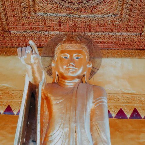 Shweyattaw-Buddha am Mandalay Hill Myanmar