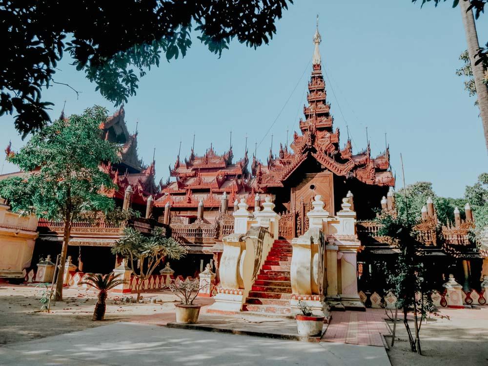 Must sees in Myanmar: Teakholzkloster Shwe In Bin Kyaung in Mandalay