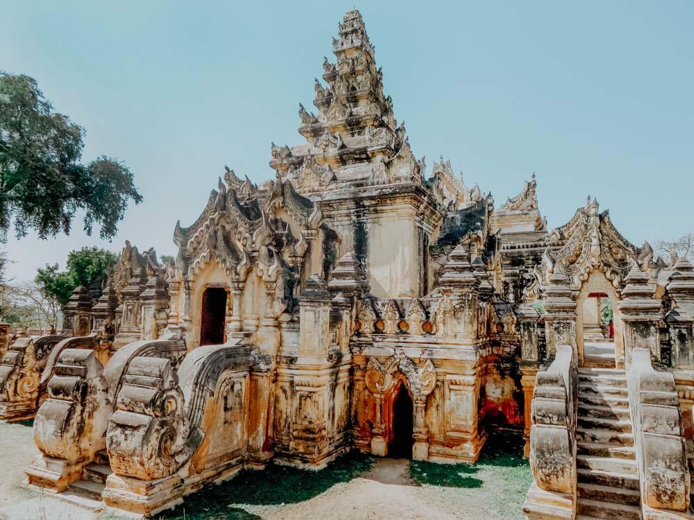 Must sees in Myanmar: Maha Aungmye Bonzan Kyaung Kloster in Inwa