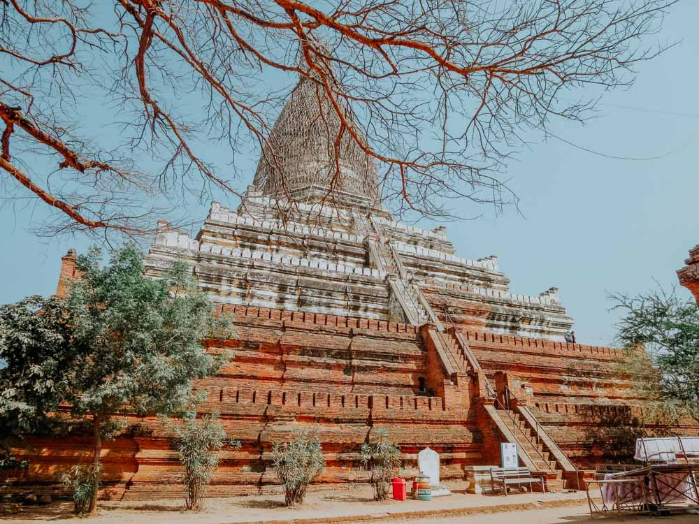 Shwesndaw Pagode in Bagan