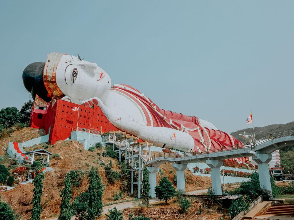 Win Sein Taw Ya, die größten liegende Buddha-Statue Myanmars