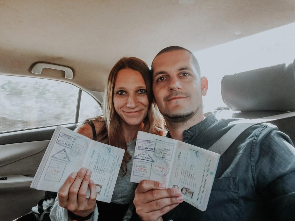 Stempel in Reisepässen nach unserem Visa-Run