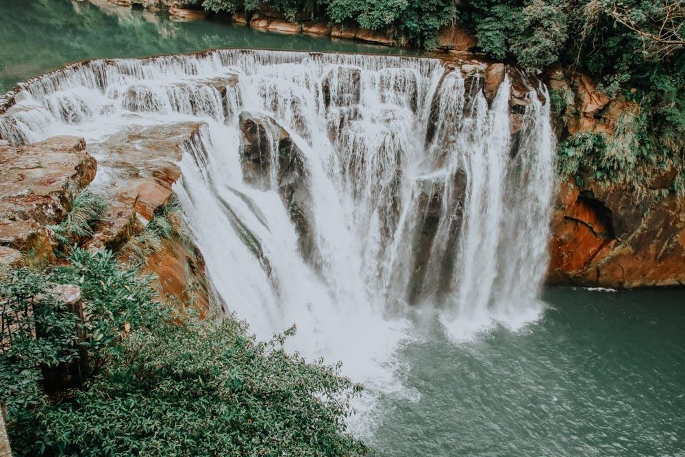 Die ultimative Taiwan Wasserfall Bucket List: Shifen Waterfall