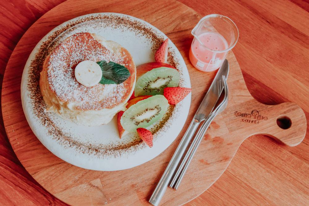 außergewöhnliche Cafés in Taiwan: Pancake im Come True Coffee in Tainan