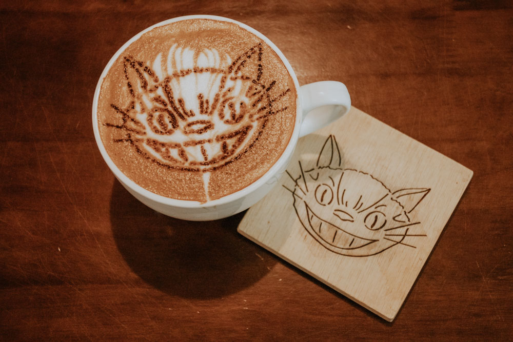 Cafe mit Kakao-Bus Cat im Totoro Cafe in Taichung