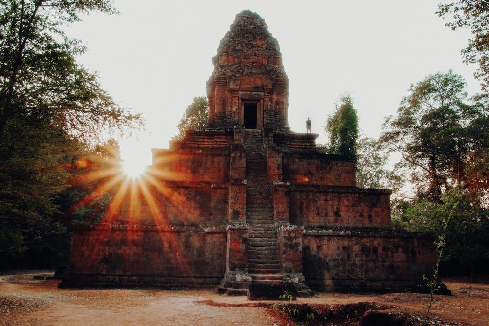 Untergehende Sonne im Baksei Chamkrong