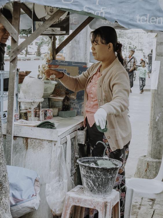 Betelnussverkäuferin