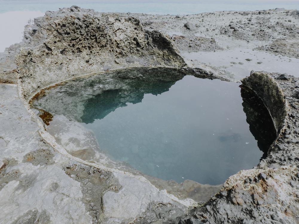 Blue Hole auf der Insel Sanxiantai in Taiwan