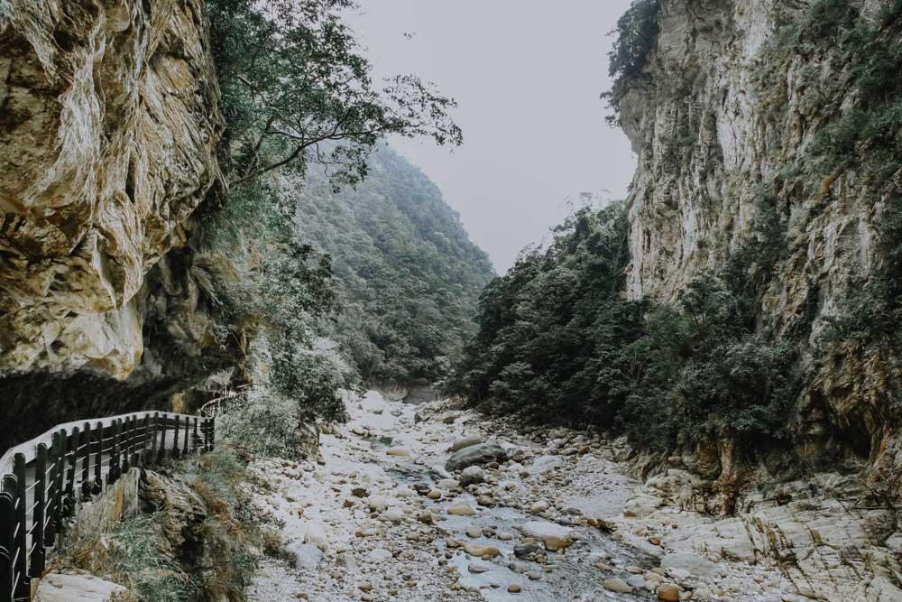Shakadang Trail in der Taroko Schlucht in Taiwan