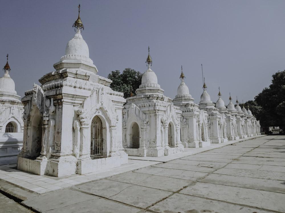 Mandalay - Die schönsten Sehenswürdigkeiten - Kuthodaw Pagode