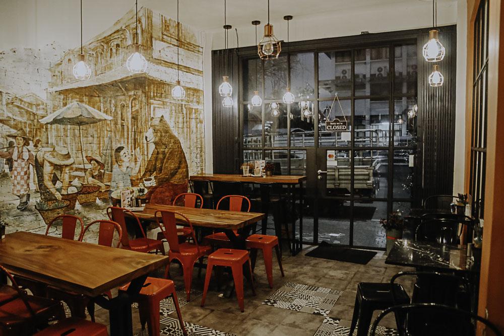 Themed Cafe Bangkok Black Bear Bake
