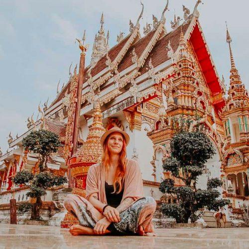 Ich in einem thailändischen Tempel