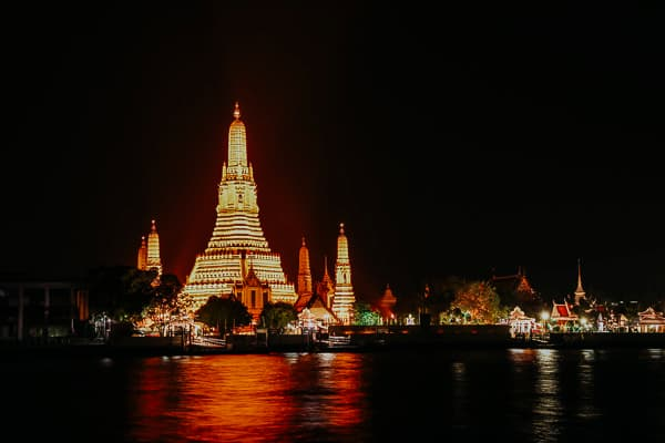Wat Arun bei Nacht